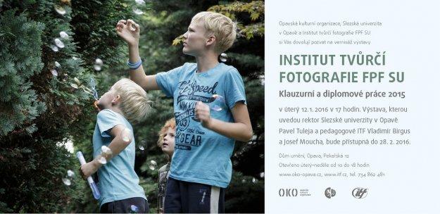 Pozvánka se snímkem Marka Matuštíka z souboru Nevyřčené hry.